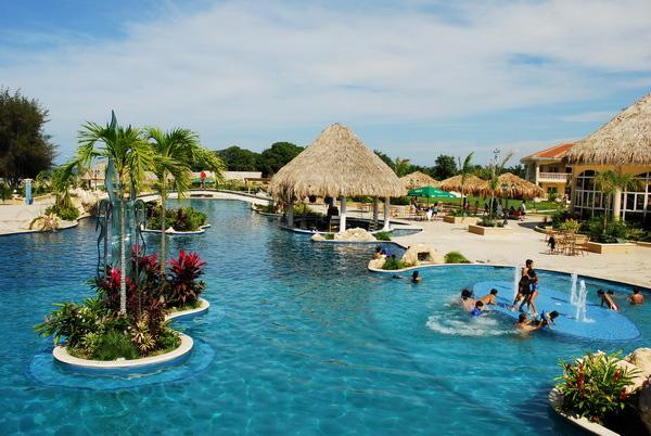La Ensenada Beach Resort La Ceiba Honduras